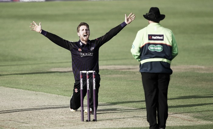 All-round heroics from Tom Smith help Gloucestershire keep hopes of Royal-London defence alive