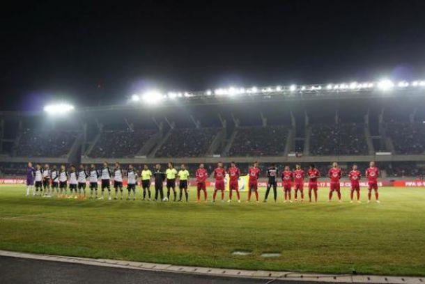 Postal de ambos equipos a minutos de iniciar el partido. Gran marco de público en La Portada. Foto: Diario de Cuyo.