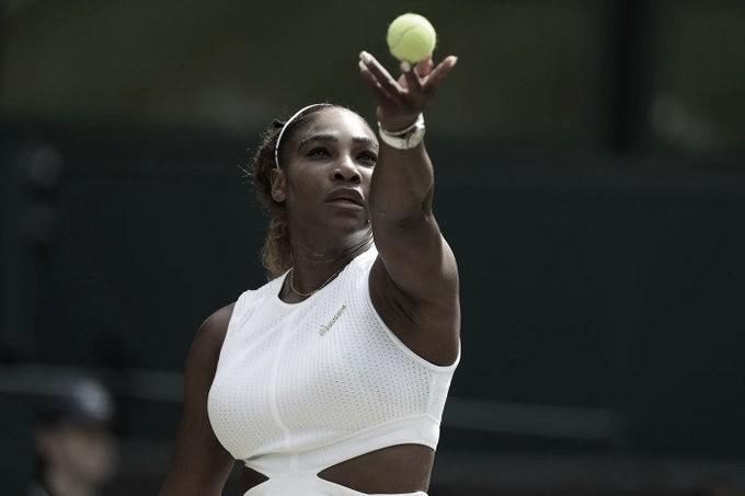 Serena hace historia en su jardín y va por el Grand Slam Nº24