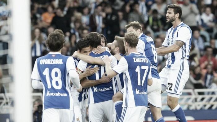 Real Sociedad supera Alavés com tranquilidade e sobe na tabela da Liga