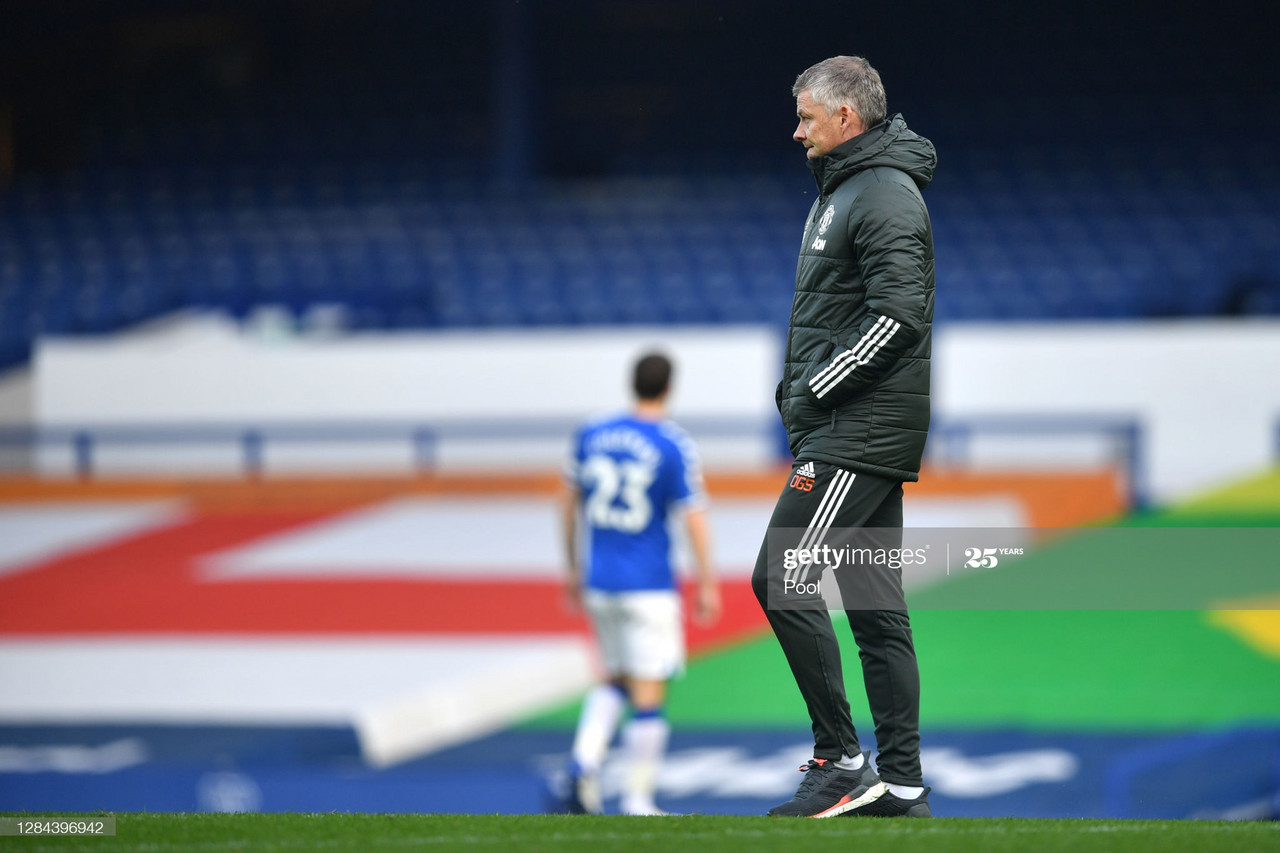LIVERPOOL, ENGLAND - NOVEMBER 07: Ole Gunnar Solskjaer, Manager of Manchester United looks on during the Premier League match between Everton and Manchester United at Goodison Park on November 07, 2020 in Liverpool, England. Sporting stadiums around the UK remain under strict restrictions due to the Coronavirus Pandemic as Government social distancing laws prohibit fans inside venues resulting in games being played behind closed doors. (Photo by Paul Ellis - Pool/Getty Images)
