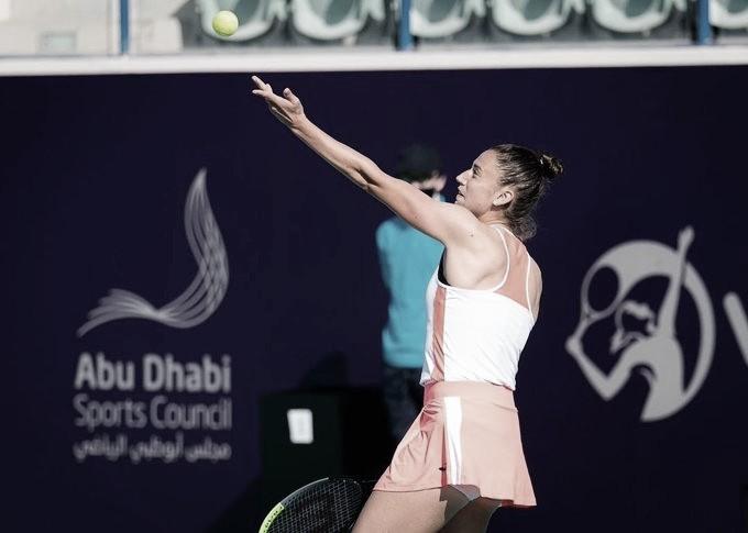 Sorribes accede a octavos en Abu Dhabi tras una maratón frente a Pera