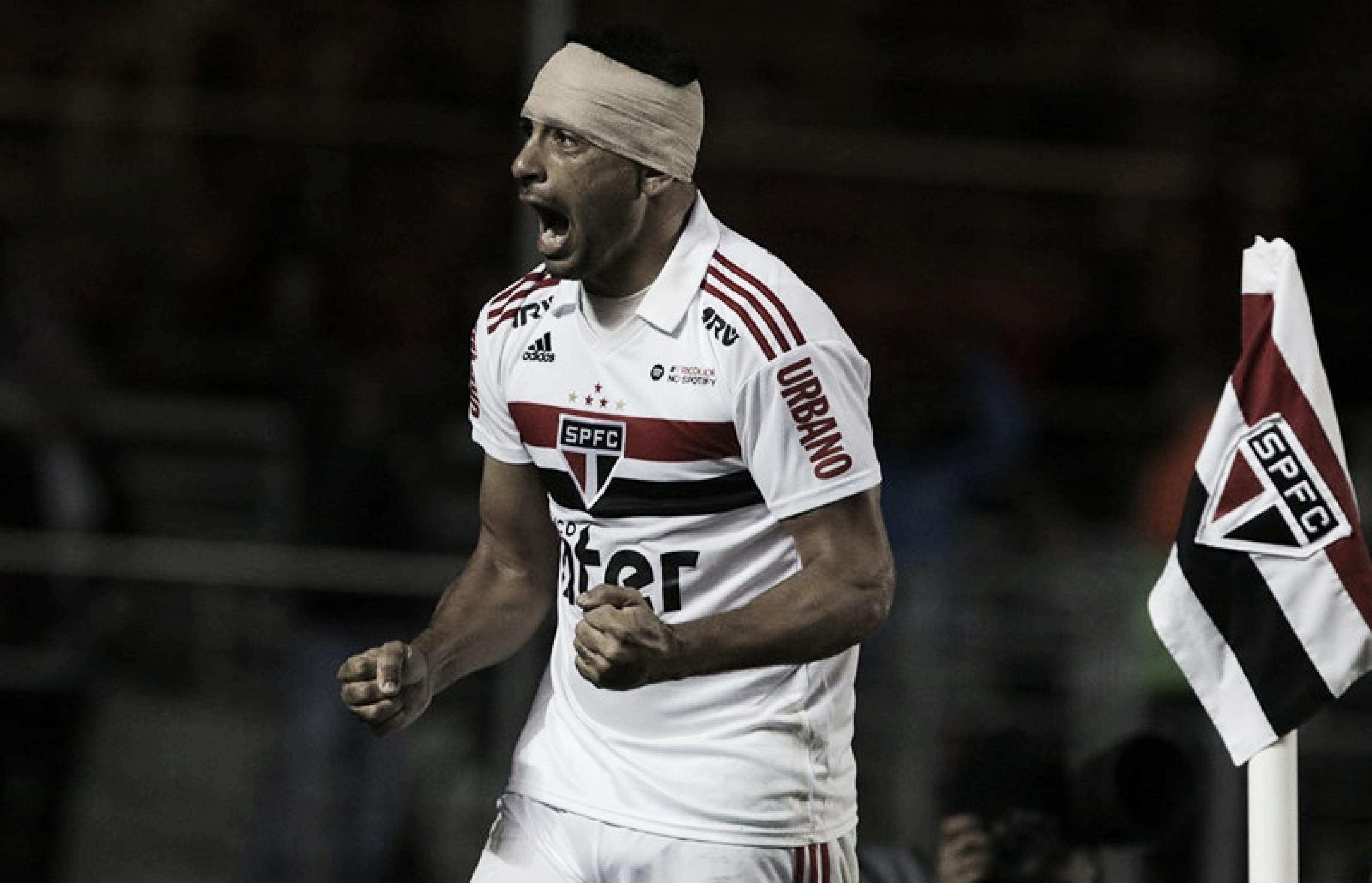 Diego Souza marca, São Paulo vence Bahia e volta à liderança do Brasileirão