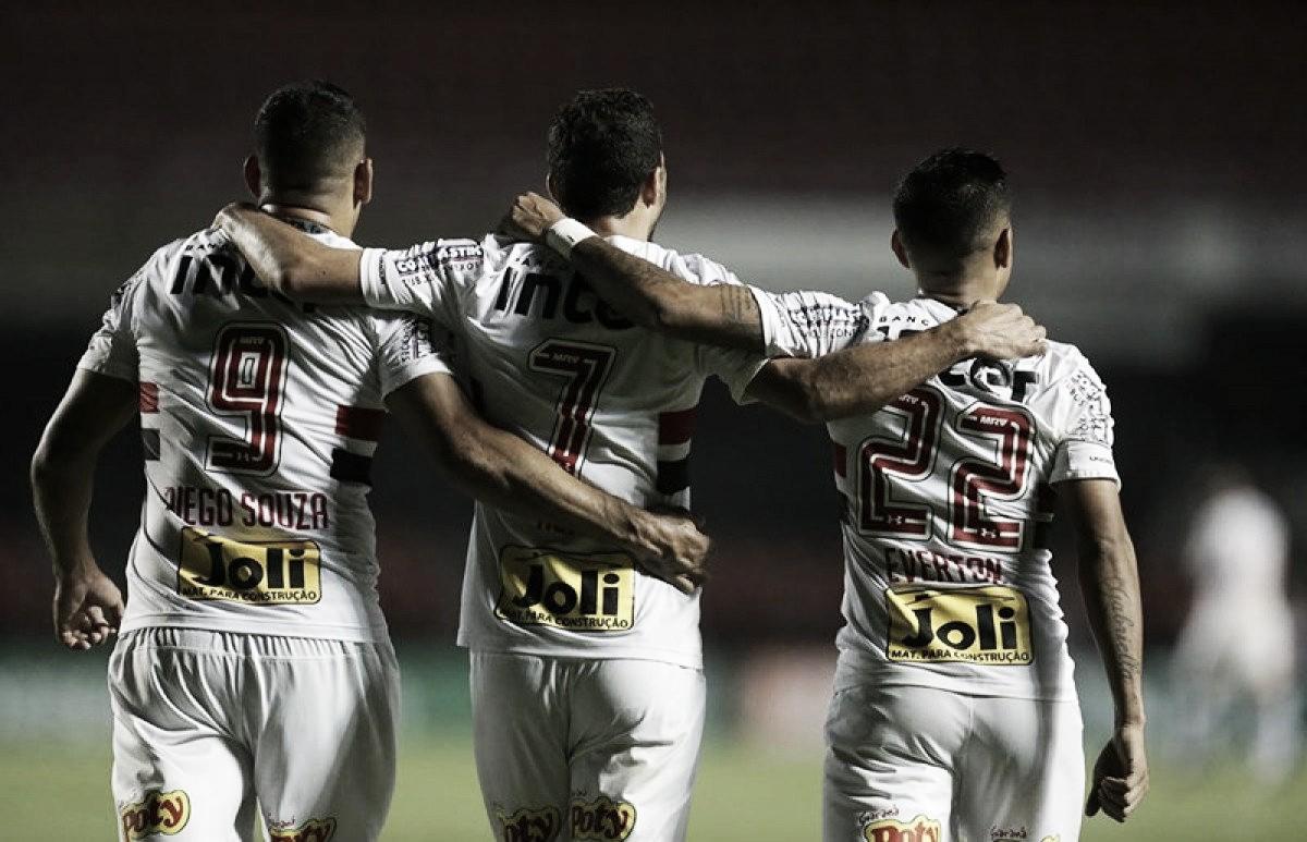 Nenê marca e São Paulo vence Atlético-PR na Arena da Baixada