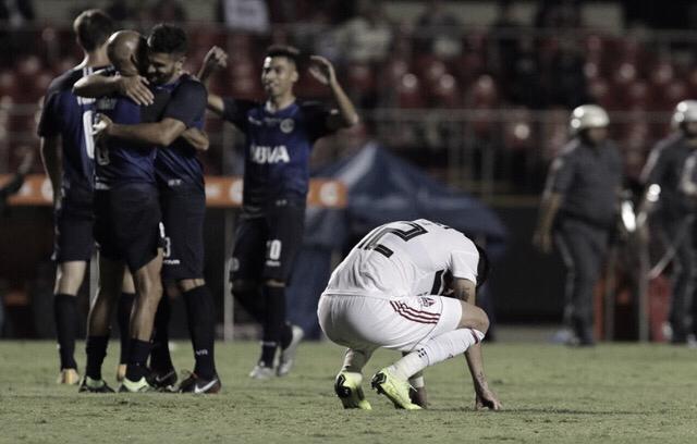 São Paulo não sai do empate sem gols contra Talleres e é eliminado da Libertadores