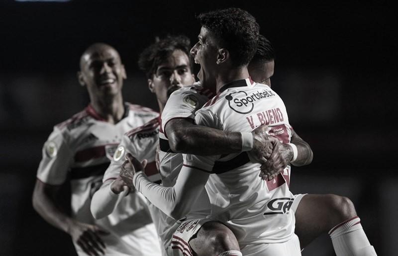 Persistente, São Paulo volta a vencer no Morumbi e afunda Grêmio na zona de rebaixamento