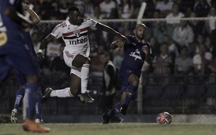 No sufoco, São Paulo empata com São Caetano e se classifica para as quartas de final do Paulistão