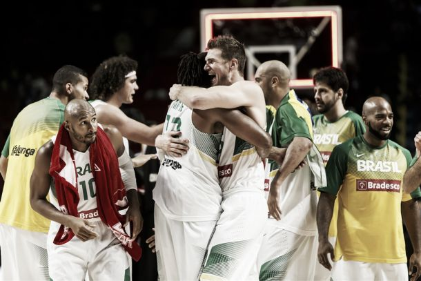 Fim do carrasco: Brasil se impõe, humilha Argentina e vai às quartas da Copa do Mundo de basquete