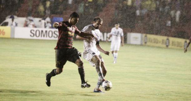 Sob muita chuva, Sport e Grêmio ficam no empate pelo Brasileirão