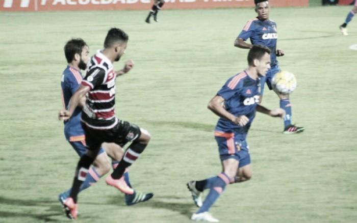 Com gol de Edmilson, Sport bate Santa Cruz no Clássico das Multidões e deixa lanterna