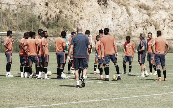 Rithely treina em Pinheral e Oswaldo deixa dúvida para jogo contra Flamengo