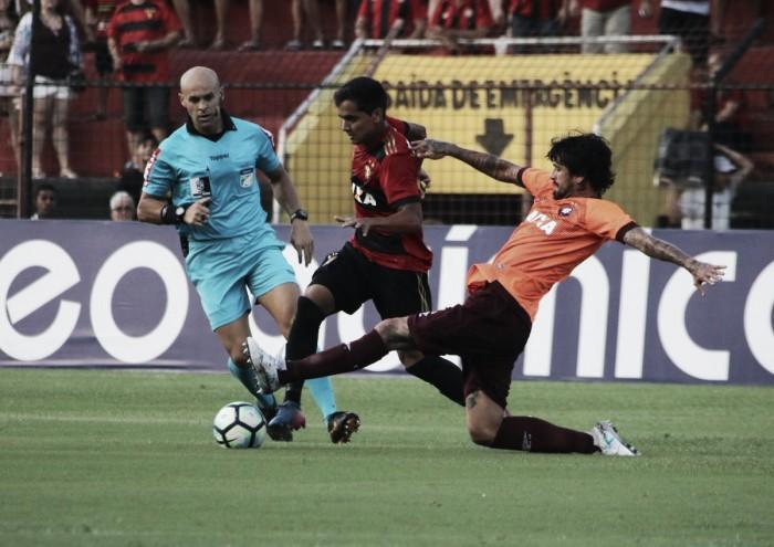 Com gol de Diego Souza em pênalti inexistente, Sport bate Atlético-PR e mantém boa fase