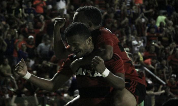 Em jogo de homenagens a Magrão, Sport supera Santos e respira na luta contra o Z-4