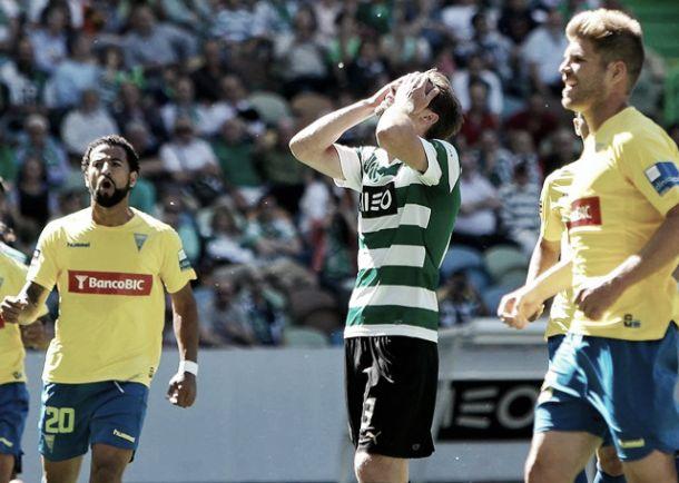 Estoril bate Sporting em «modo de férias»