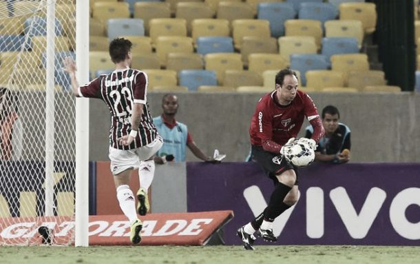 Rogério Ceni lamenta baixo rendimento do time no segundo tempo e não fala sobre falhas