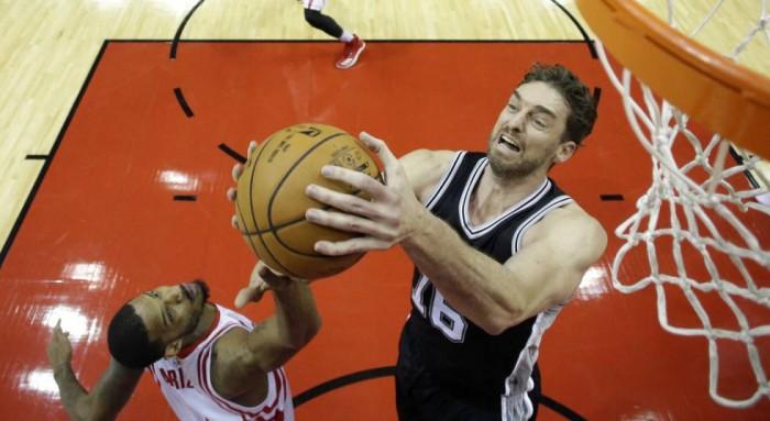 NBA - San Antonio di rimonta in casa di Houston, i Clippers frenano i Nuggets