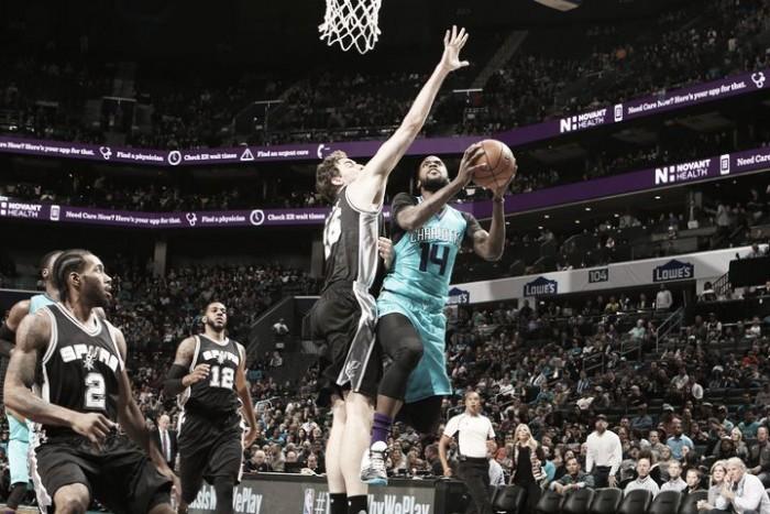 Trabajada victoria de Spurs en casa de Jordan