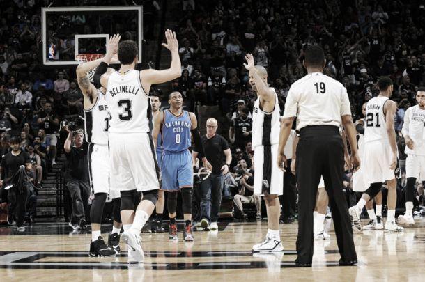 Resumen NBA: los visitantes sacan pecho y San Antonio da una exhibición