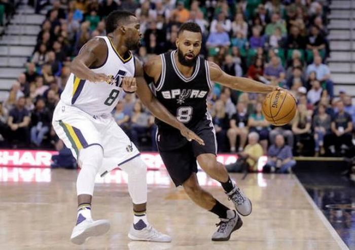 Spurs, Leonard guida la rivincita sui Jazz (86-100)