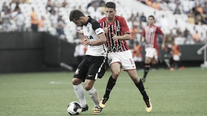 Com Morumbi lotado, São Paulo recebe Corinthians visando se livrar de vez do temido Z-4