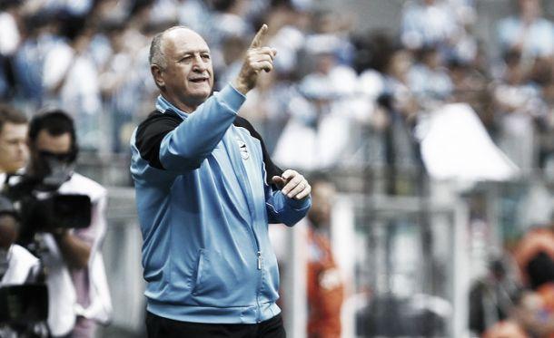 """Expulso contra o São Paulo, Felipão critica arbitragem: """"Erra quando quer"""""""