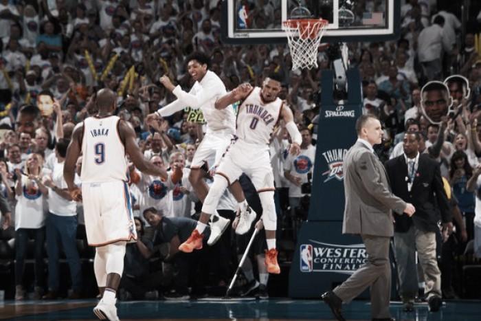 Oklahoma City pisa fuerte y queda al borde de las Finales
