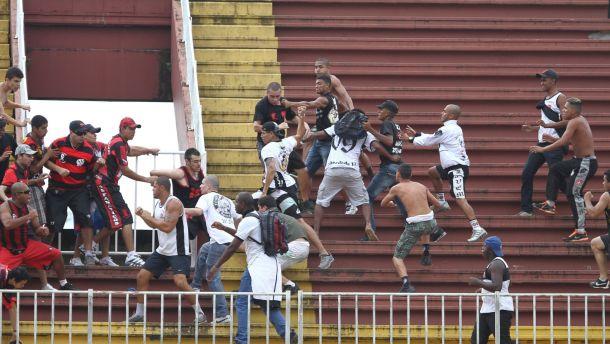 Comment éradiquer la violence dans les stades ?