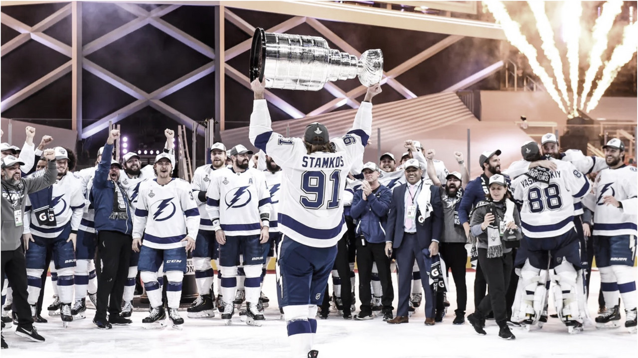 Lightning captain Steven Stamkos hoists the Stanley Cup after their win against the Dallas Stars. | PHOTO: @TBLightning - Twitter