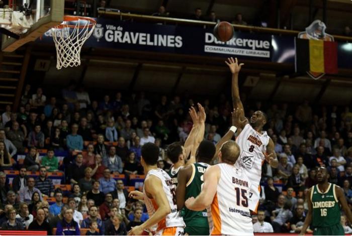 Le BCM enfonce Limoges(Crédit : Twitter @BCMbasket)