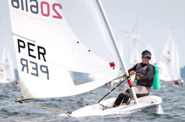 Stefano Peschiera ocupa de el decimocuarto lugar del mundial sub 21 de Láser