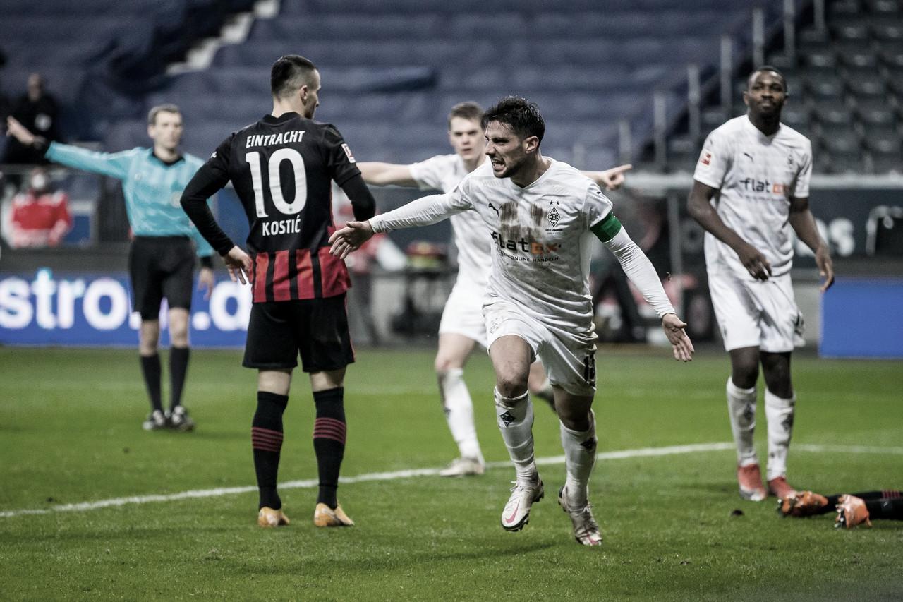 Com hat-trick de Stindl, Mönchengladbach busca empate nos acréscimos contra Eintracht Frankfurt