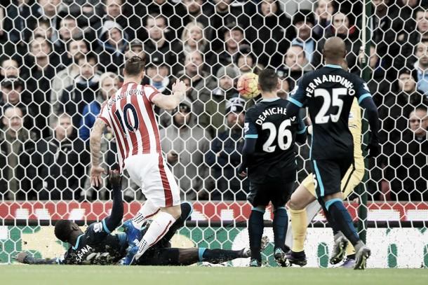 Premier League, una doppietta di Arnautovic lancia lo Stoke e affonda il City (2-0)