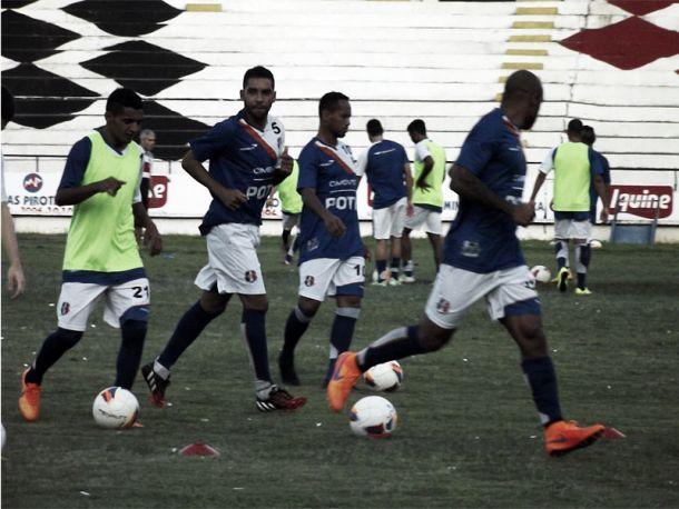 Santa Cruz continua trabalhos para jogo contra Paraná com ausência de Betinho