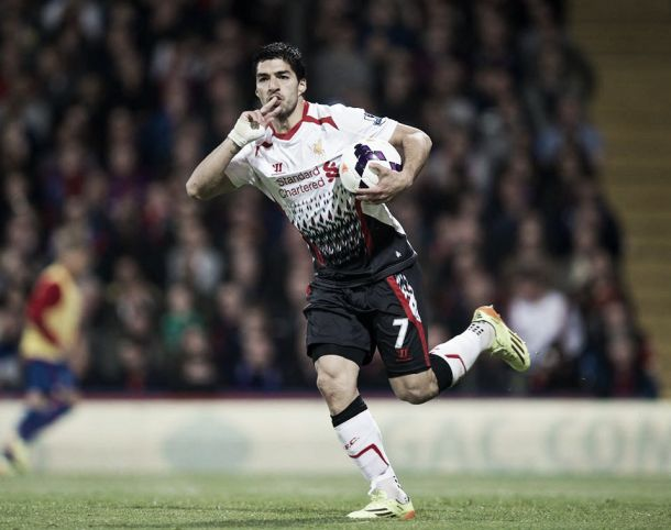 Luis Suárez entra no rol dos maiores artilheiros da Premier League em uma temporada