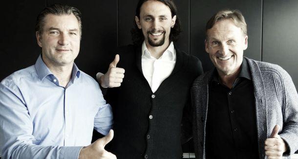 Subotic renueva con el Borussia Dortmund hasta 2018