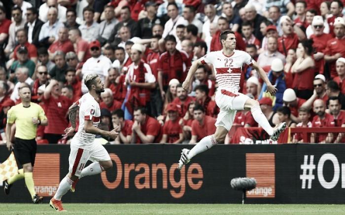 Com um a mais, Suíça vence estreante Albânia pelo placar mínimo