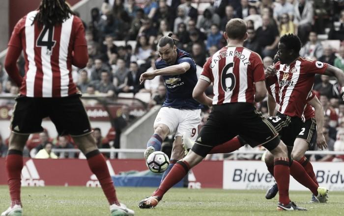 Premier League - Il Sunderland dura un tempo, passa il Man United allo Stadium of Light (0-3)