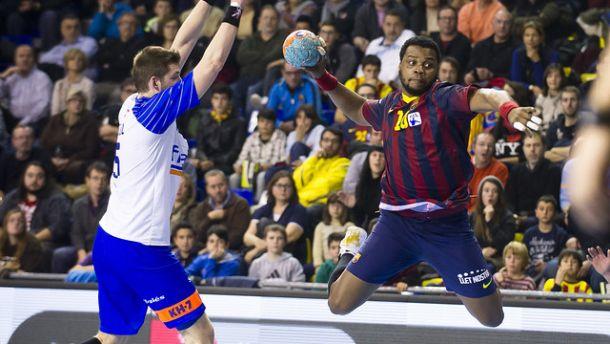 El FC Barcelona sufre para levantar la Supercopa ASOBAL