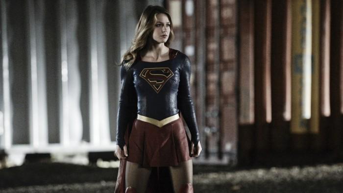 """Supergirl encontra com """"Mulher Maravilha"""" na 2ª temporada"""