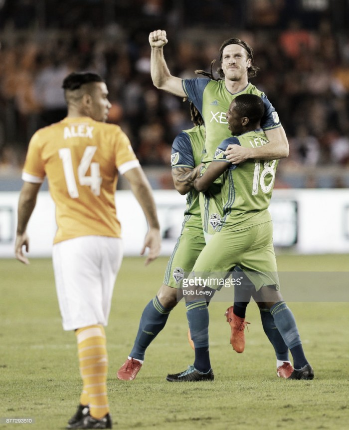 Seattle Sounders take care of business, defeat the Houston Dynamo 2-0