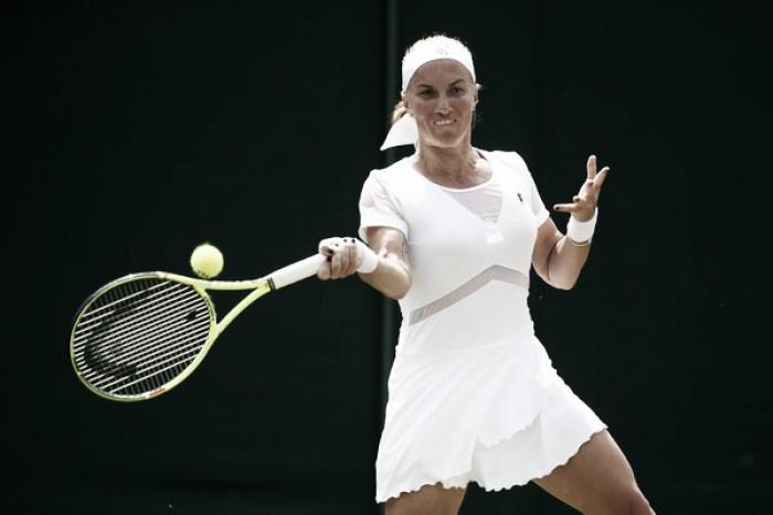 Wimbledon: Svetlana Kuznetsova advances to Manic Monday with a straightforward win over Polona Hercog