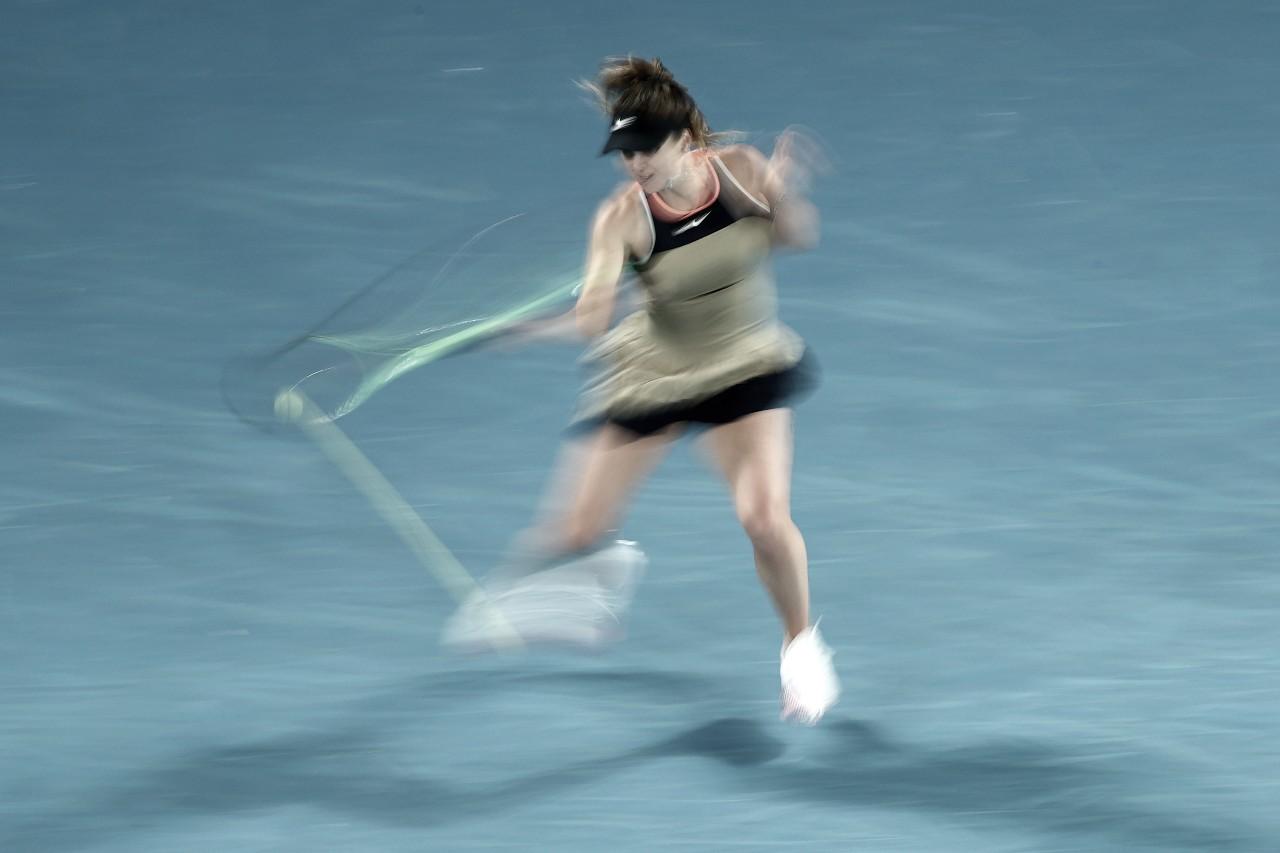 Consistente, Svitolina supera desafio contra Gauff no Australian Open