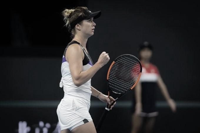 Svitolina supera batalha na madrugada contra Kenin e avança às quartas em Pequim