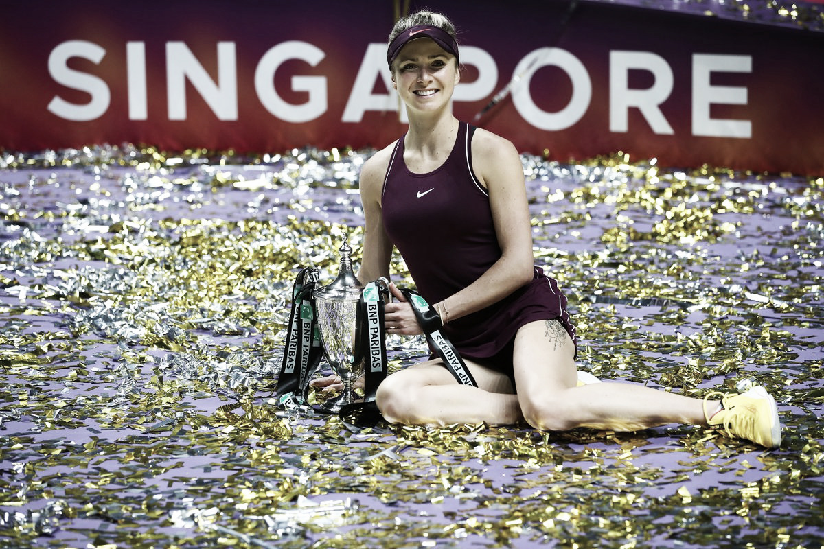 Svitolina vira para cima de Stephens conquista título do WTA Fials pela primeira vez