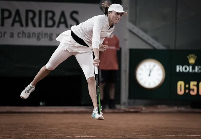 Swiatek vence Trevisan com tranquilidade e é semifinalista em Roland Garros