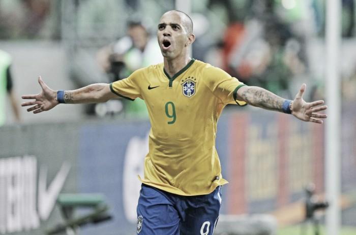"""Com nova chance na Seleção Brasileira, Tite justifica convocação de Diego Tardelli: """"Deixou legado na era Dunga"""""""
