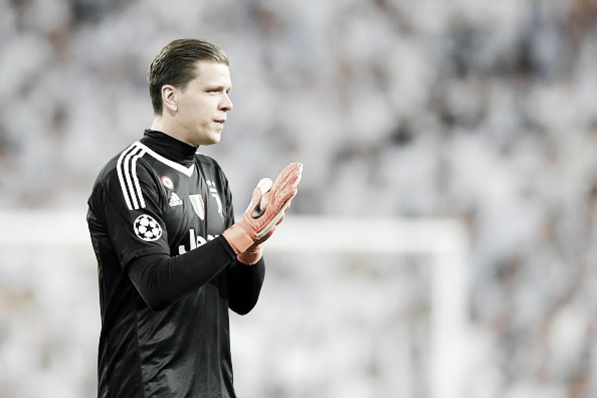 """Szczesny analisa disputa com Perin na meta da Juventus: """"Acho que continuo à frente"""""""