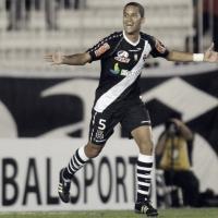 Vasco anuncia retorno do volante Rômulo