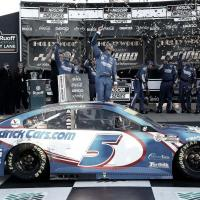 NASCAR Cup: Larson logró una emotiva victoria para Hendrick