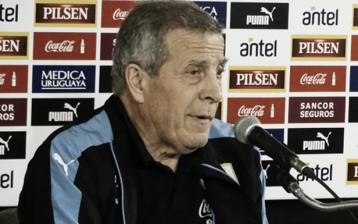 """Tabárez valoriza resultado positivo: """"Estamos muito contentes pela posição na tabela"""""""